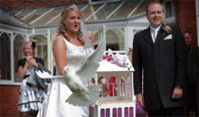 Gloucestershire Wedding & Parties Balloons & Decorations - Sur Les Ailes D'Amour