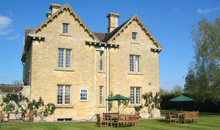 Gloucestershire Visitors Self Catering / Serviced Accommodation - The Moretons Vacation Houses