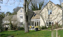 Gloucestershire Visitors Self Catering / Serviced Accommodation - Cotswold Cottages Online